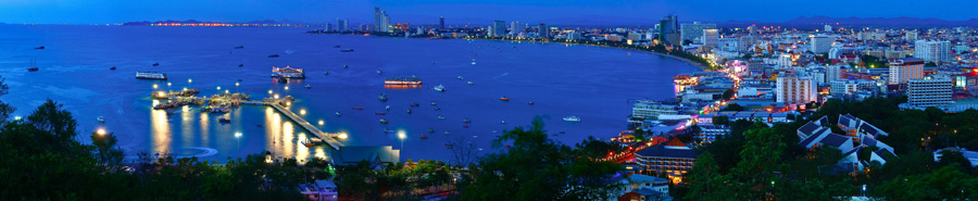 Pattaya Bay at night